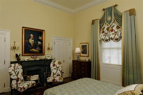 This bedroom was designed for a Revolutionary War historic society, the Society of the Cincinnati, and won an award in 2014.
