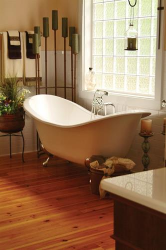 Gallery Image ElegantBathroom.jpg