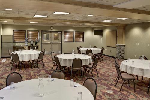 Holiday Inn Express Hotel Amp Suites Baxter Resort