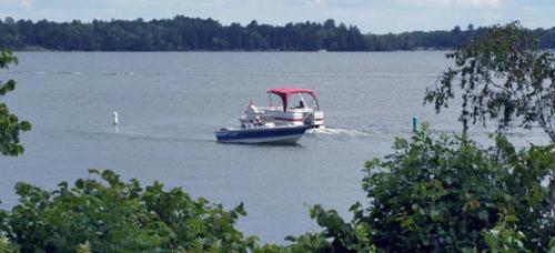 oving from lake to lake is easy within the Whitefish Chain of Lakes Region.