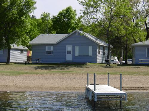 All cabins are lake level and 75 feet or closer from the lakeshore!