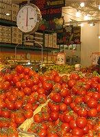 Gallery Image SuperValu-tomatoes.jpg
