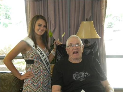 Miss Teen Iowa USA- Richelle Orr visits Oakwood
