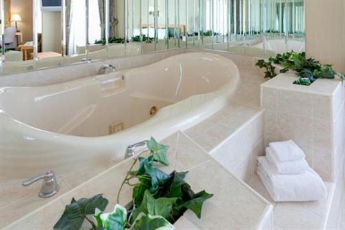 Gallery Image ATRAA-HEXS-Watertown%20NY-jacuzzi-1_preview.jpg