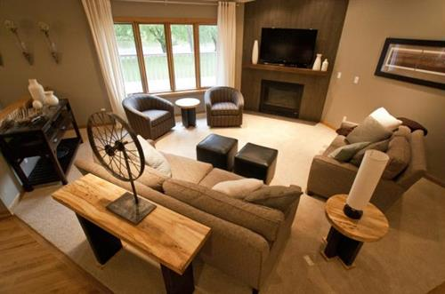 Lake Redstone Modern Family Room
