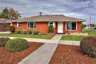 824 4th Nampa - For Sale - call 871-0354