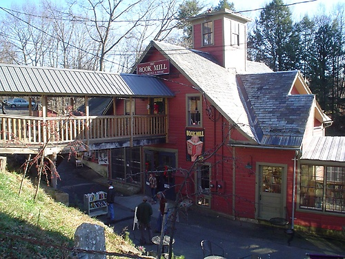 Montague Massachusetts - Montague Book Mill