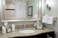 Remodeled Bath with all of the Hilton amenities