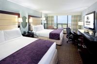 2 Double beds, 37'' flatscreen, refridgerator, Coffeemaker, free internet