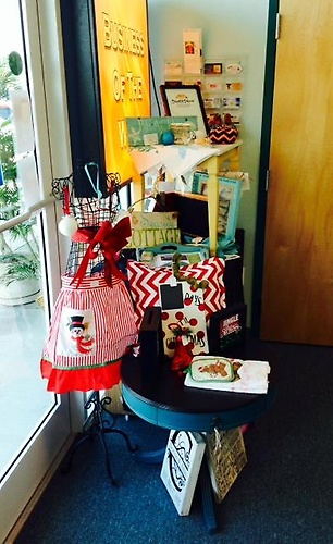 SS COC 'BIZ OF THE WEEK' - Display set up in the Chamber office - Dec 2014