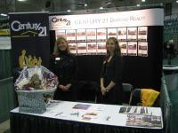 Jennifer Crone & Shannon Stroeder at the Humboldt Business Tradeshow Nov 2011