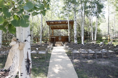 Half Moon Lake Lodge - Outdoor Wedding Venue