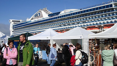 Gallery Image clatsop%20cruise%20hosts%208.jpg