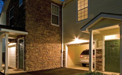 Attached and detached garages available