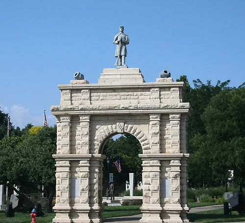 Civil War Memorial Arch- Hertiage Park