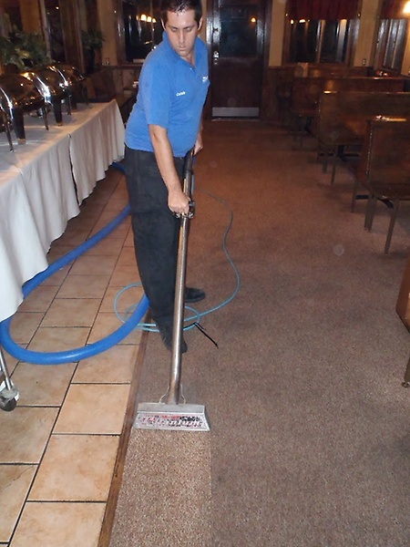 Gallery Image HPC-Commercial%20Carpet%20Cleaning%202.JPG