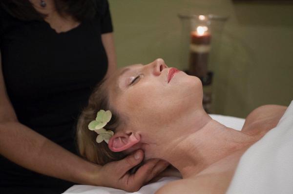 Gallery Image massage%20head.jpg