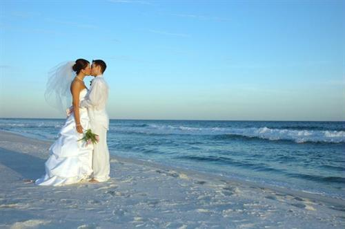 Say ''I do'' on Navarre Beach with Navarre Properties.
