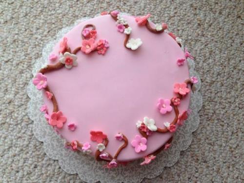 9 inch round Birthday Cake