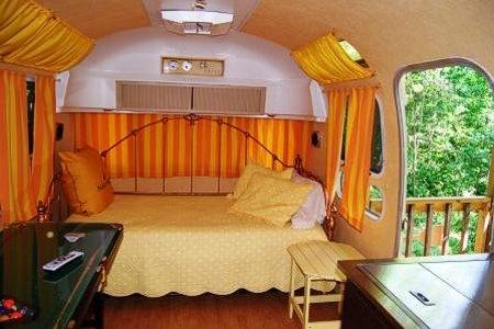 ToNoMo Airstream - Bedroom
