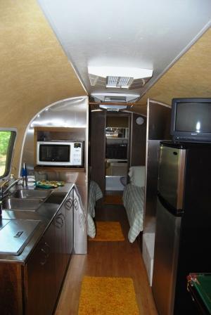 ToNoMo Airstream - Kitchen/Bedroom