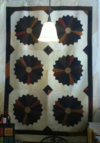 Original Design from BRENDA SEIDL. ' Dresden Delight'  Pattern available on July 29 During the  MInnesota Shop Hop- 2011