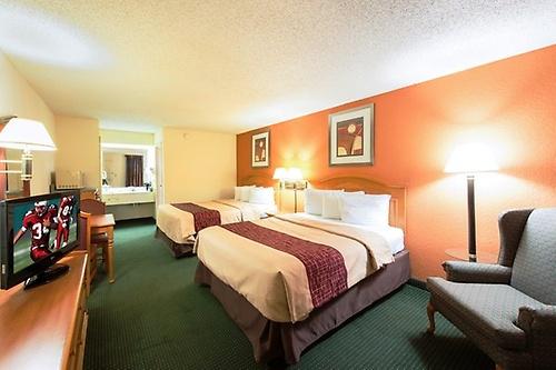 Gallery Image Kingsland_GA_cheap_hotel_Double_in_room_microwave_Z.jpg