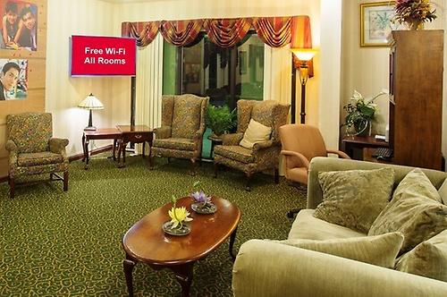 Gallery Image Kingsland_GA_cheap_hotel_Lobby_sitting_area_Z.jpg