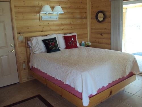 Brannin Cabin Bedroom