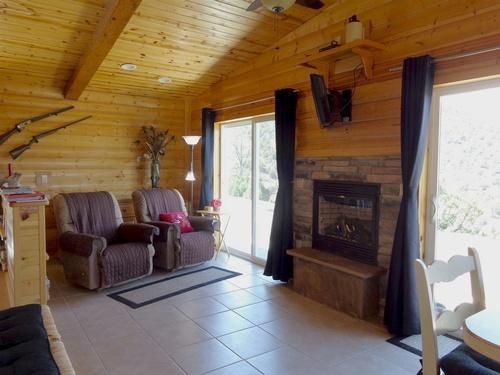 Brannin Cabin Den