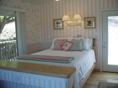 Lottie Deno Cabin Bedroom