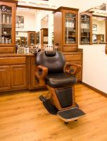 Relaxing Atmosphere in a real Barber Chair