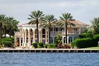 Gallery Image palm-beach-mansion(1)_180914-090420.jpg