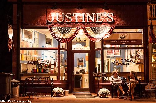 Justine's at night