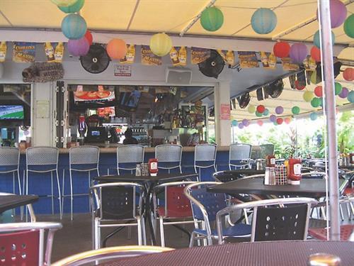 Gallery Image Rosies-Outside2.jpg