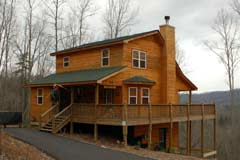 Mountain Magic Cabin. 3 bedroom 3 bath cabin rental with mountain views and close to Lake Nottley