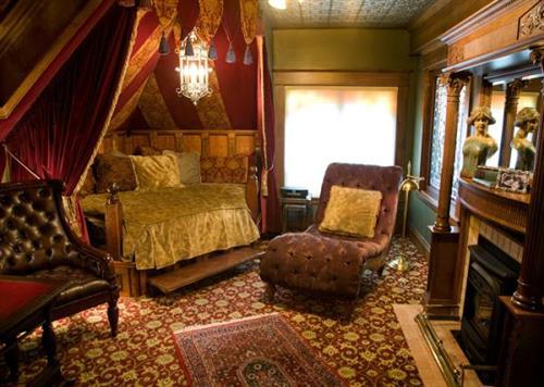 Oscar Wilde Grand Suite Bath