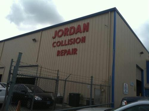 Jordan Ford LTD  Sales  Collision Repair Oil  The Chamber