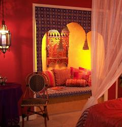 Curl up in one of the built-in Moroccan loveseats-in most rooms!