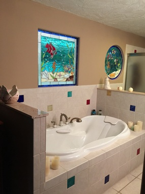 Jet Tub accented with Stained Glass
