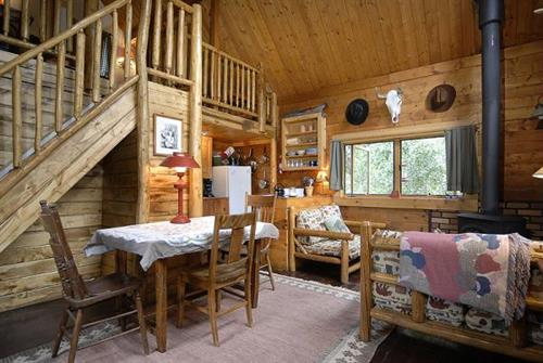 Alpenglow  (3 bed cabin) interior
