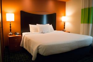 Rooms offering a king bed, work desk and free high-speed Internet access