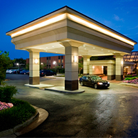 The Holiday Inn Dulles is located a few short miles from Dulles International Airport.