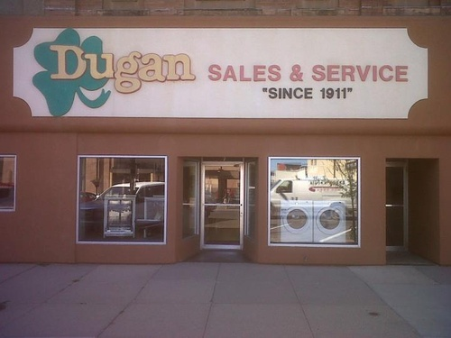 Gallery Image Dugans%20storefront.jpg