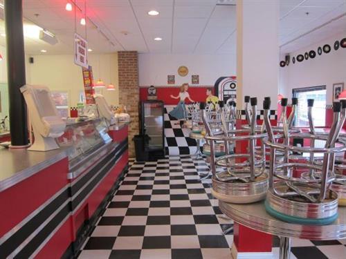 50's Style Ice Cream Shoppe