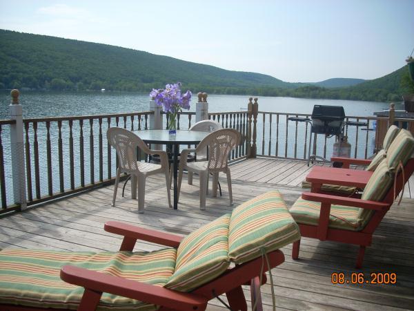 Mingolelli cottage lodging rentals for Glen haven co cabin rentals