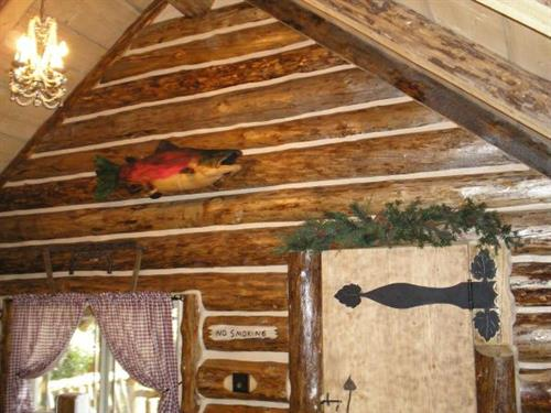 Gallery Image bear cabin pictures 012.jpg
