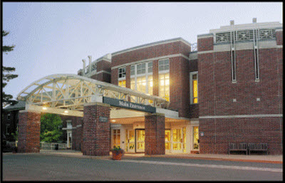 Main entrance, Cooley Dickinson Hospital