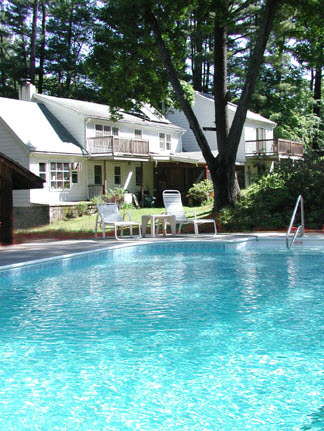 The Knotty Pines B&B, Haydenville