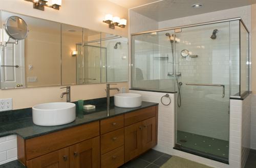 Gallery Image bathroom2.png